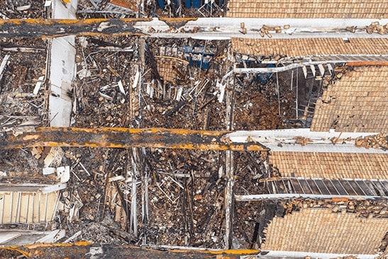 Zgliszcza hali, zdjęcie z drona dla ubezpieczalni